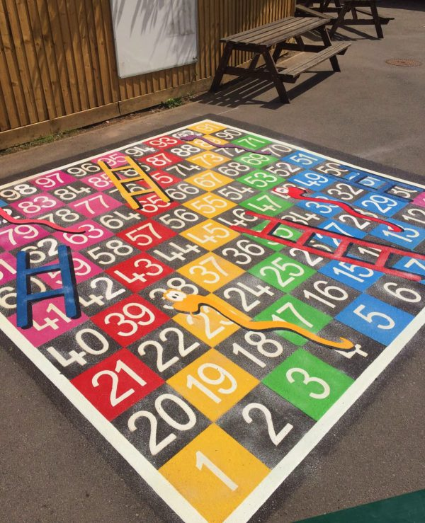 TMG003-100H Snakes and Ladders 1-100 Half Solid